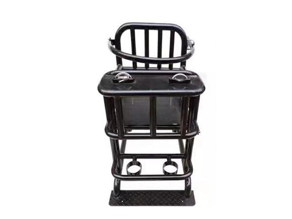 鐵質審訊椅-T1.jpg